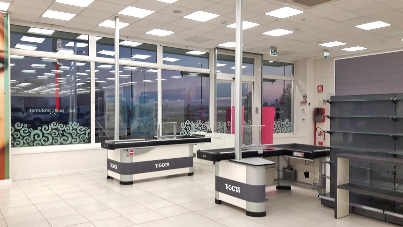 Servizi di pulizie personalizzati per negozi, uffici, showroom