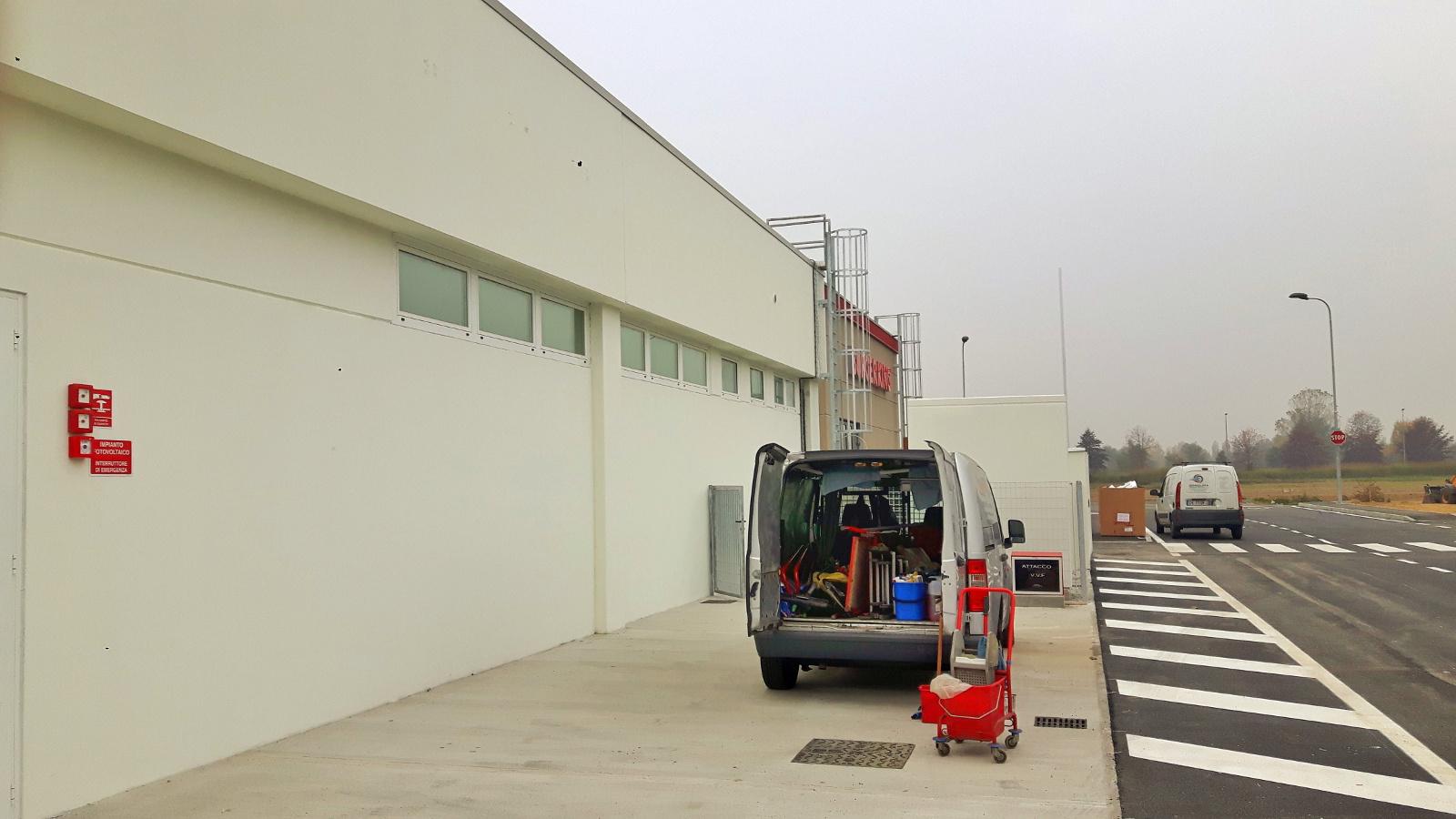 Servizi di pulizia capannoni